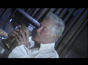Arthur Roberts sediento de sangre.