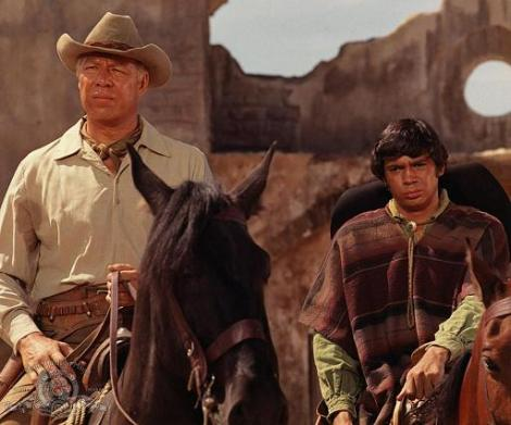 still-of-george-kennedy-and-reni-santoni-in-guns-of-the-magnificent-seven-(1969)