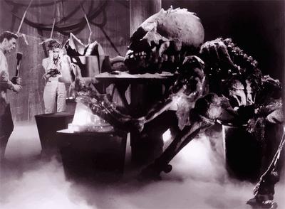esqueleto-gigante-terror-en-el-espacio