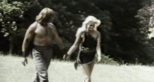 Escena romántica entre Pietro Torrisi y Sabrina Siani.