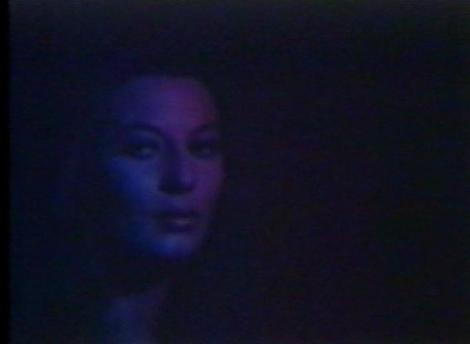 George Martin flipándola en colores con la belleza de Rosalba Neri. No es para menos.