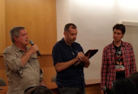 """Luigi Cozzi durante la presentación de """"Roma fantastica"""". A la derecha Diego López, director de """"Brigadoon""""."""