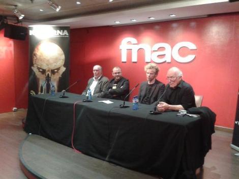 "Rueda de prensa de ""Wax"". De izda. a dcha.: Jack Taylor, Víctor Matellano, Jimmy Shaw y Colin Arthur."