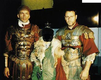 """Tomas Arana y Russell Crowedurante el rodaje de """"Gladiator""""."""