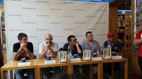 """Presentación de """"Silencios de pánico"""" en Barcelona. De izda. a dcha.: Diego López, Jaume Balagueró, Ángel Sala, David Pizarro y Marc Carreté."""