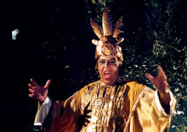 sideny-magal-como-sacerdote-inca