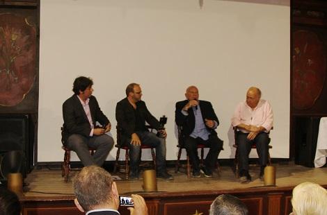 Coloquio con Enzo G. Castellari en el que participaron los especialistas y cineastas Juan Gabriel García y Víctor Matellano (izda. de la foto)