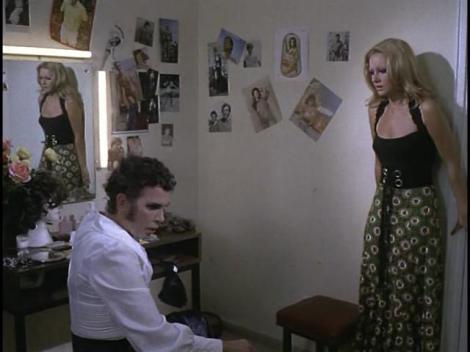 """María en una escena perteneciente a """"Una libélula para cada muerto""""."""