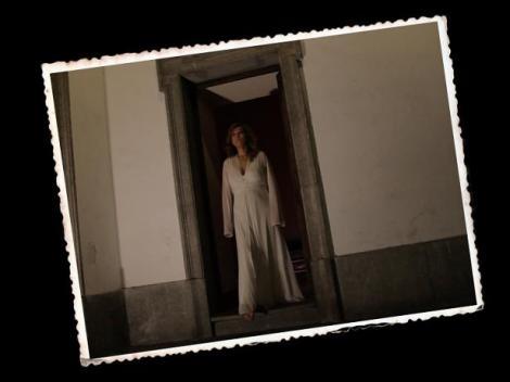 Estampa protagonizada por Sandra Alberti correspondiente a los insertos de ficción con los que contará el documental.