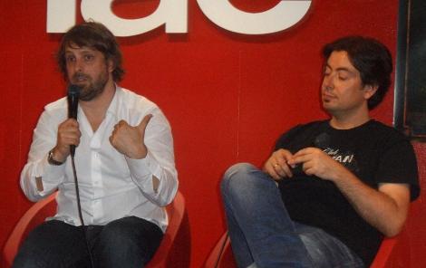 Alexandre Aja junto a Luis Rosales durante un instante del encuentro con los fans del cineasta francés.