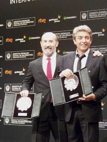 """06 Concha de Plata mejor actor Ex aequo para Ricardo Darin y Javier Cámara por """"Truman"""" fin"""