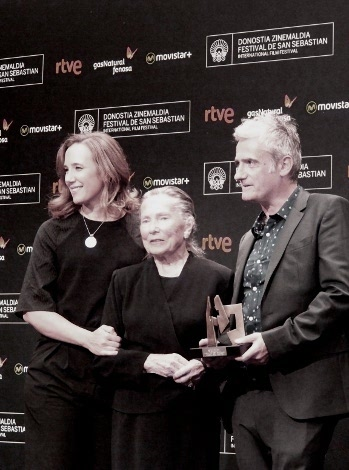 "10 Premio IRIZAR al cine vasco_ ""Amama"" Asier Altuna y equipo fin"