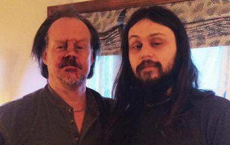 """Larry Fessenden y Joe Begos durante un descanso del rodaje de """"The Mind's Eye""""."""