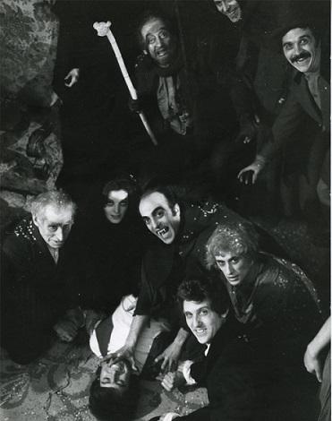 1975-el-extrano-amor-de-los-vampiros-3