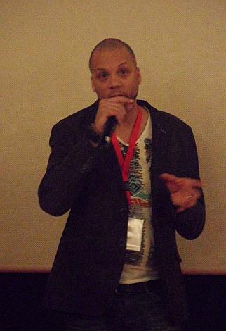 "Rick Harper, director del documental ""Room Full of Spuns""."