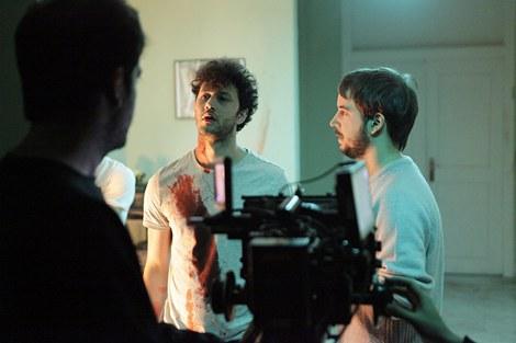 Marc Martínez Jordán da instrucciones en el rodaje al actor Joe Manjón.
