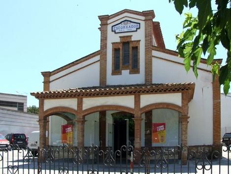 """Edificio L'escorxador, sede de """"Brigadoon""""."""