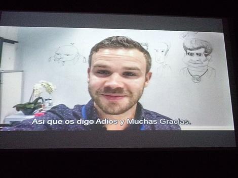 Fotografía del video proyectado durante la gala en el que Tom Marshall, director del corto ganador _, agradecía el premio.