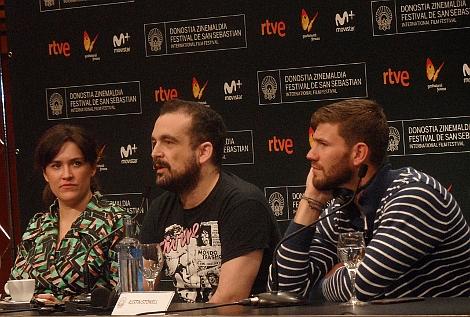 dia-4-rueda-de-prensa-nacho-vigalondo-director-y-equipo-colossal