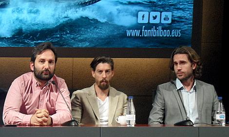 """Marcos junto a Adrián Lastra y Esteban Piñero, los dos protagonistas de """"Noctem"""", durante la rueda de prensa de la película en FANT."""