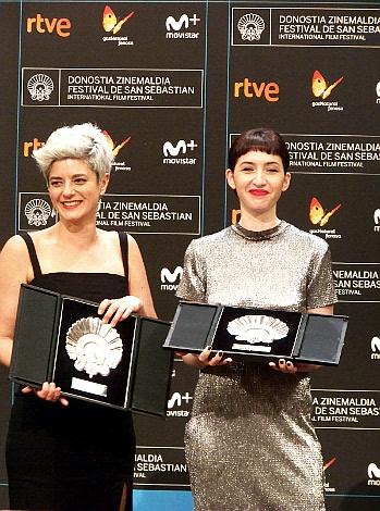 P 17 Concha de Plata a la actriz Sofia Gala y Concha de Plata a la Directora Anahi Berneri ambas por la pelicula Alanis