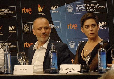 dia 1 El autor Los rotagonistas Javier Gutierrez y Maria Leon en rueda de prensa