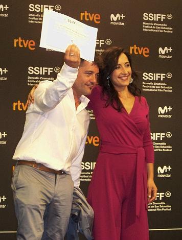 10 Premio del publico A Un dia mas con vida Raul de la Fuente
