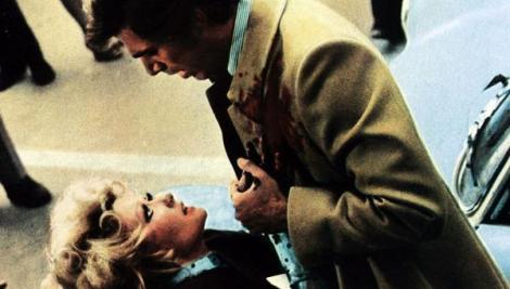 George Hilton en Las lágrimas de Jennifer
