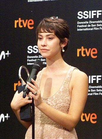 P 06 CONCHA DE PLATA A LA MEJOR ACTRIZ (ex-aequo) Greta Fernández, por La hija de un ladrón